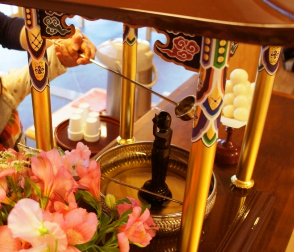 2018花祭り(灌仏会)の由来と行事「お釈迦様と甘茶との関係」